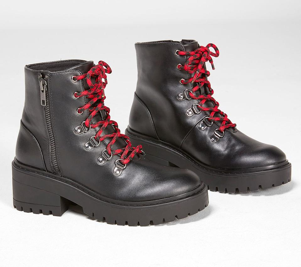 Teen Spirit Boots. Image via Skechers.