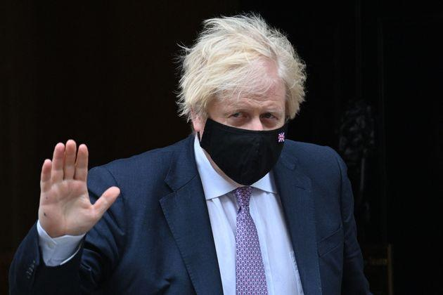 Boris Johnson is expected to keep advice about face masks in his Covid Winter plan (Photo: JUSTIN TALLIS via Getty Images)