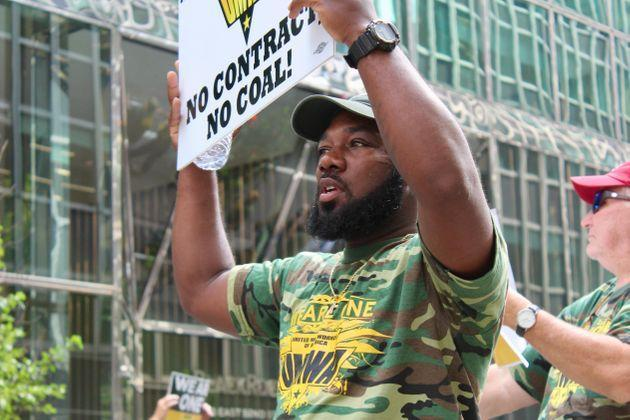 Warrior Met miner Emanuel Barnfield protests outside BlackRock in Manhattan on Wednesday. (Photo: Dave Jamieson for HuffPost)