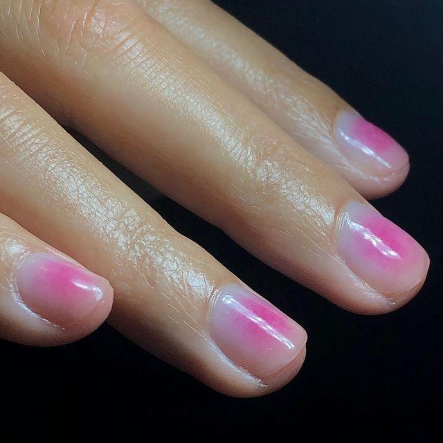 """<p>For a twist on the ombre look, start from the centre of the nail and fade outwards.</p><p><a href=""""https://www.instagram.com/p/COCg5nhgvkN/"""" rel=""""nofollow noopener"""" target=""""_blank"""" data-ylk=""""slk:See the original post on Instagram"""" class=""""link rapid-noclick-resp"""">See the original post on Instagram</a></p>"""