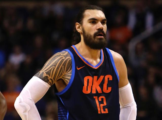 "<a class=""link rapid-noclick-resp"" href=""/nba/players/5163/"" data-ylk=""slk:Steven Adams"">Steven Adams</a> showed <a class=""link rapid-noclick-resp"" href=""/nba/players/5009/"" data-ylk=""slk:Bradley Beal"">Bradley Beal</a> his best <a class=""link rapid-noclick-resp"" href=""/nba/players/5069/"" data-ylk=""slk:Draymond Green"">Draymond Green</a> impression on Thursday. (AP)"
