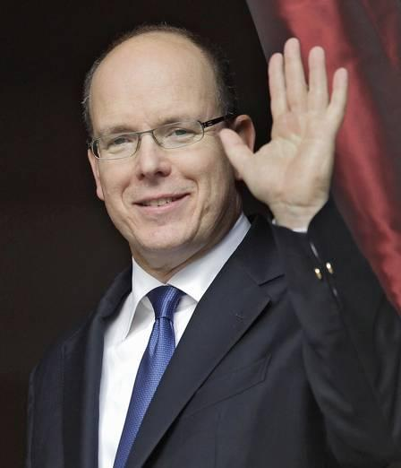 35433271_Prince-Albert-II-of-Monaco-and-his-fiancee-Charlene-Wittstock-atten