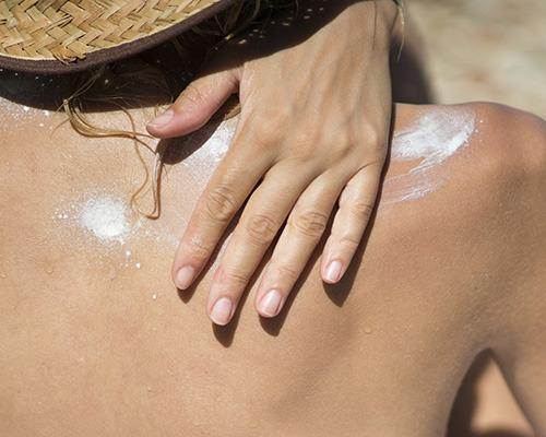 Waterproof sunscreen can help create a barrier against the parasites. (Yahoo Shine)