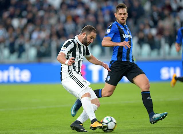 Soccer Football - Serie A - Juventus vs Atalanta - Allianz Stadium, Turin, Italy - March 14, 2018 Juventus' Gonzalo Higuain scores their first goal REUTERS/Massimo Pinca