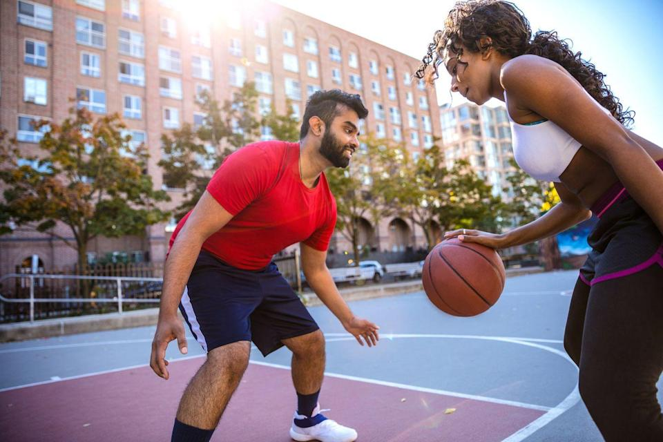 <p>How good are you at basketball shooting? Set up your shot, and see if your date can match your effort. Winner gets a high-five...or another coveted prize.</p>