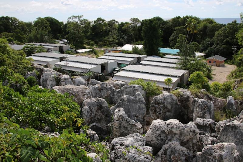Fears for refugees on Nauru as mental health workers given marching orders