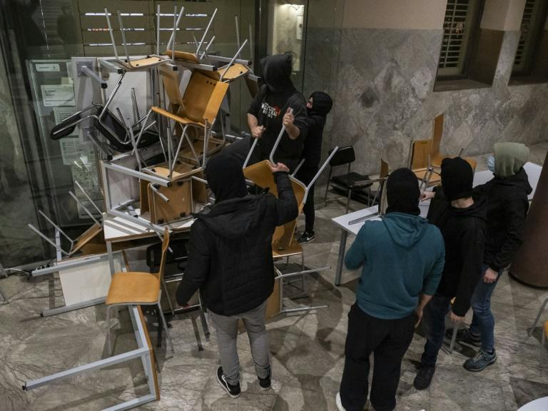 Chairs, garbage bins and other objects were used as barricades been set up as barricades in the university