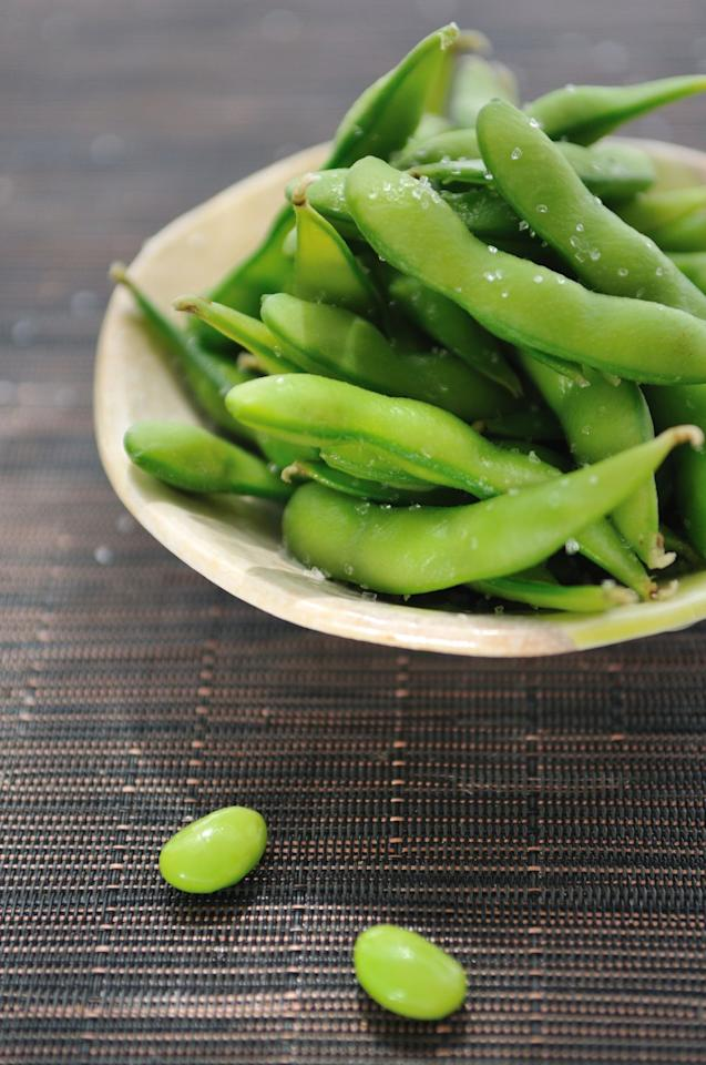 """<p>Balance out your carb-rich sushi rice with a side of protein-packed edamame. This green soy bean has 9 g of protein and roughly 100 calories in a ½ cup serving. What's more, you'll also get a dose of fiber, potassium, and vitamin A.</p><p><strong>Power up your protein: </strong>Whip up a batch of this <a rel=""""nofollow"""" href=""""https://memeinge.com/blog/wasabi-edamame-dip/"""">wasabi edamame dip</a> from Living Well Kitchen at the beginning of the week for a hunger-squashing work snack.</p>"""