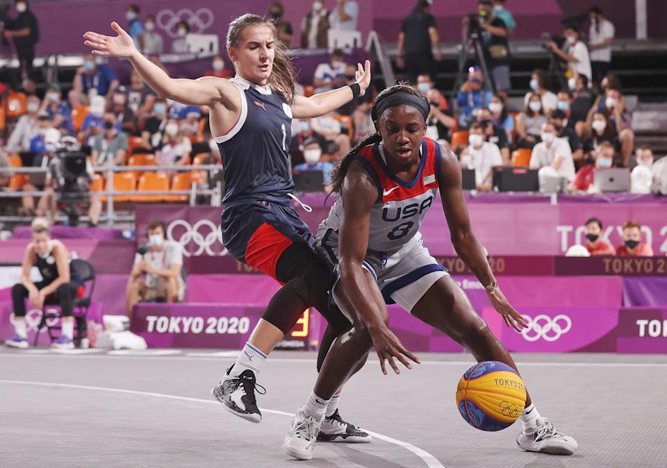 TOKYO, JAPAN - JULY 28, 2021: ROC's Yulia Kozik (L) and the USA's Jacquelyn Young in action in their women's 3x3 basketball gold medal match during the Tokyo 2020 Summer Olympic Games, at the Aomi Urban Sports Park. Stanislav Krasilnikov/TASS (Photo by Stanislav Krasilnikov\TASS via Getty Images)