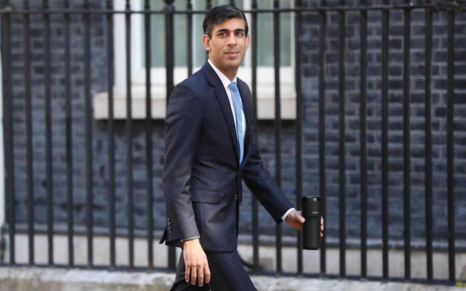 The Chancellor Rishi Sunak arriving into Downing Street - Jonathan Brady/PA