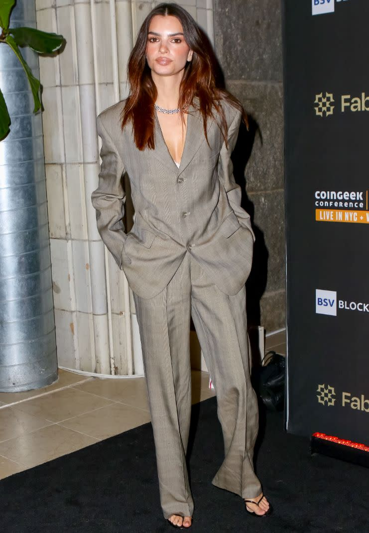 Emily Ratajkowski attends the CoinGeek Cocktail Party at Gustavino & # x002019; s in New York City on October 4.  - Credit: Nancy Rivera / Bauergriffin.com / MEGA