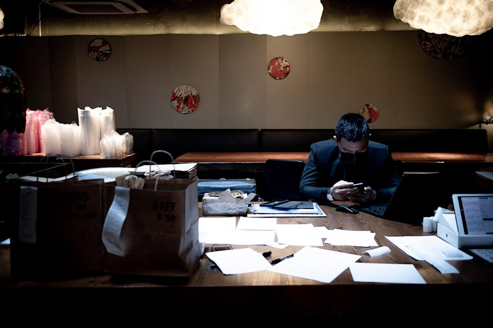 A staff at Birds of Feather attending to online orders  (PHOTO: Zat Astha/Yahoo Lifestyle SEA)