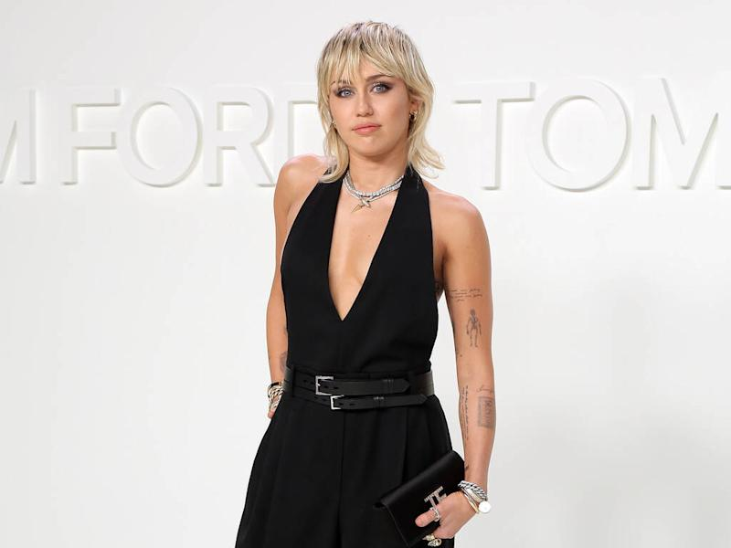 Miley Cyrus honours late grandmother with Eagles cover