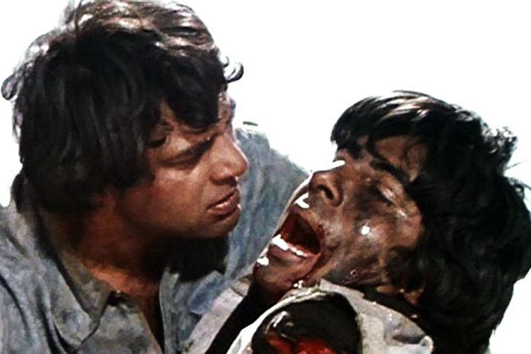 <p>There is not one scene in this milestone movie that cannot be called a classic, but the death of Jai takes the dramatic element several notches up. The chemistry between Dharmendra and Amitabh Bachchan is unparalleled. The scene is significance for more than one reasons, and one of them is the revelation of the secret behind the tossing coin. </p>