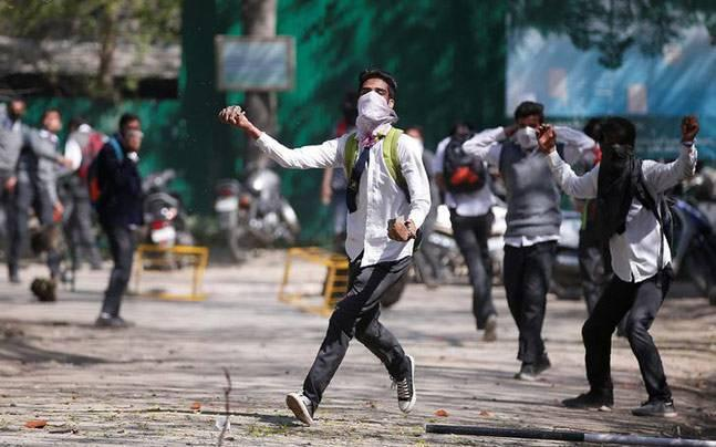 Internet suspended in Jammu and Kashmir for a month over student protests
