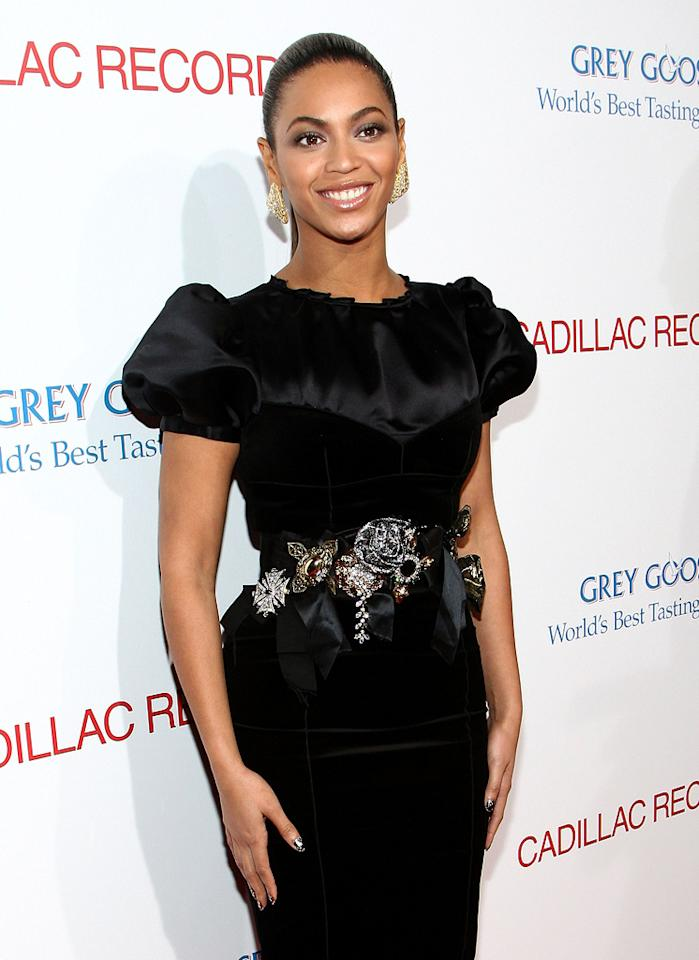 "<a href=""http://movies.yahoo.com/movie/contributor/1804705859"">Beyonce Knowles</a> at the Los Angeles premiere of <a href=""http://movies.yahoo.com/movie/1810003875/info"">Cadillac Records</a> - 11/24/2008"