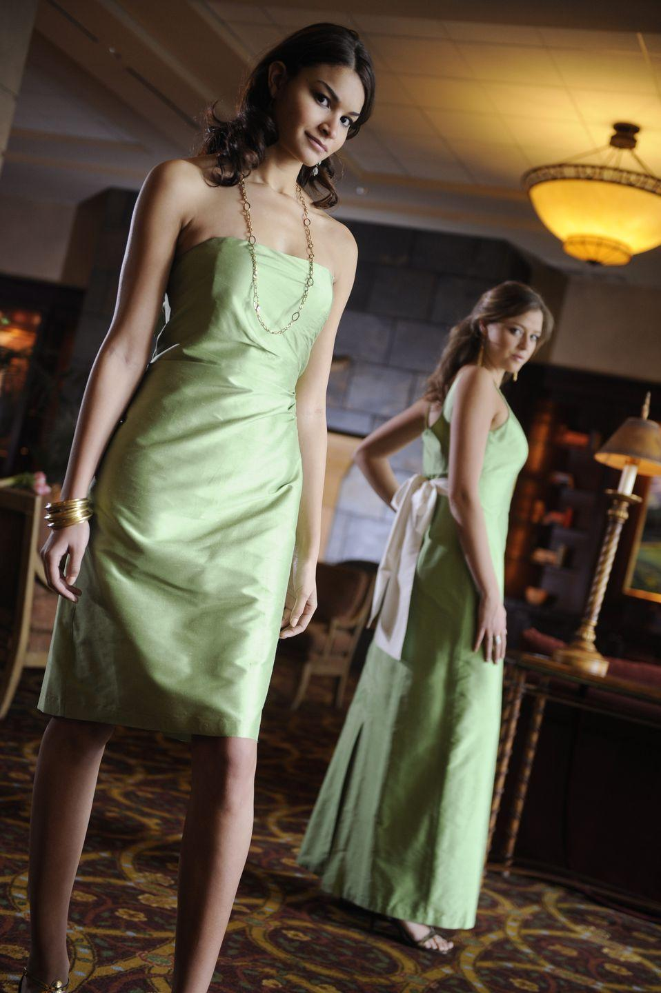 <p>With bad bridesmaids dresses becoming more of a stigma than a cliché, brides began allowing bridesmaids to chose the style they preferred in a color the bride picked.</p>