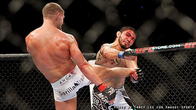 Daron Cruickshank lands a kick on Henry Martinez during their fight at UFC on Fox 5. (Credit: Tracy Lee for Yahoo! Sports)