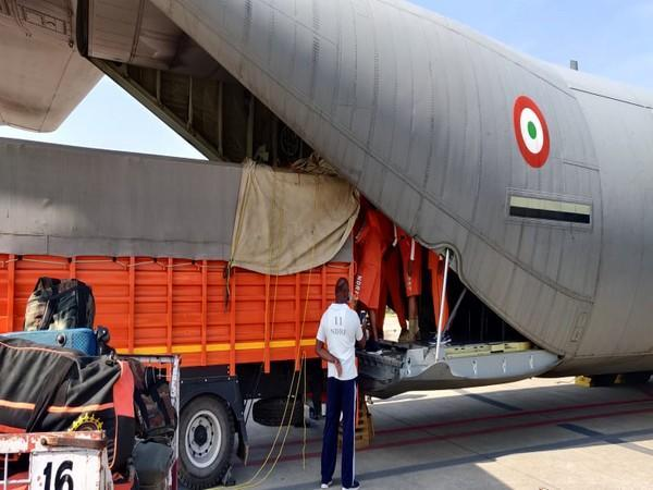 Indian Air Force preparing airlift (Photo Credit: IAF Twitter handle)