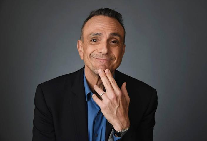 """Actor Hank Azaria said he should apologize to """"every single Indian person in this country."""""""