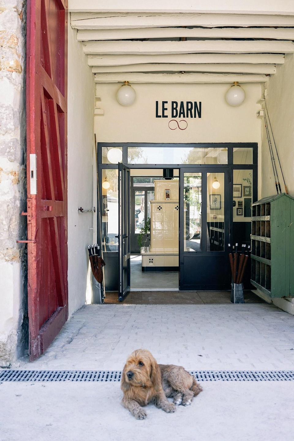Le Barn is a French country retreat that yields to nature with a poetic informality evoking a chic summer camp.