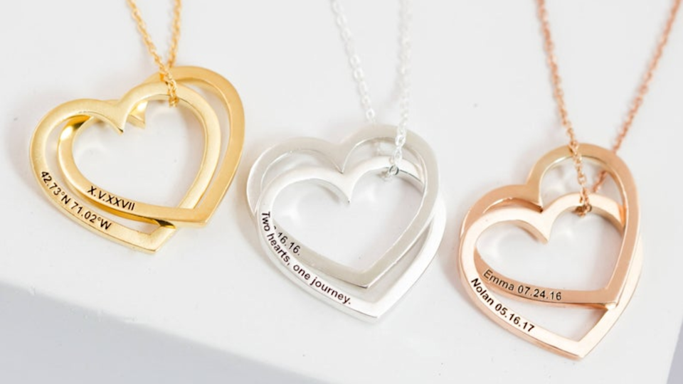 Best gifts for mom: Personalized necklace