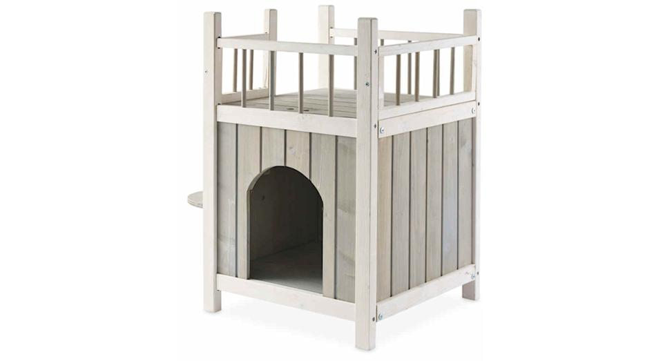 Pet House With Balcony
