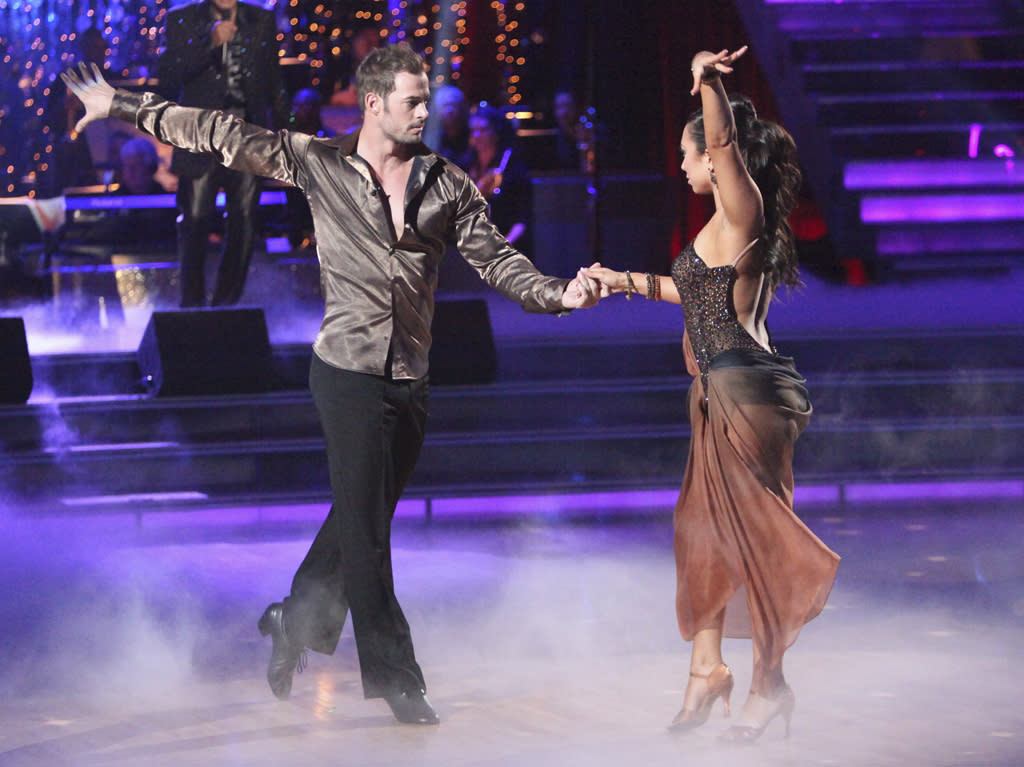 "William Levy and <a target=""_blank"" href=""http://tv.yahoo.com/cheryl-burke/contributor/2187853"">Cheryl Burke</a> perform on ""<a target=""_blank"" href=""http://tv.yahoo.com/dancing-with-the-stars/show/38356"">Dancing with the Stars</a>."""