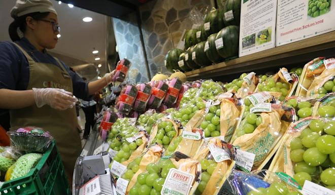 Fresh fruit from Japan has long been popular with Hongkongers. Photo: Dickson Lee