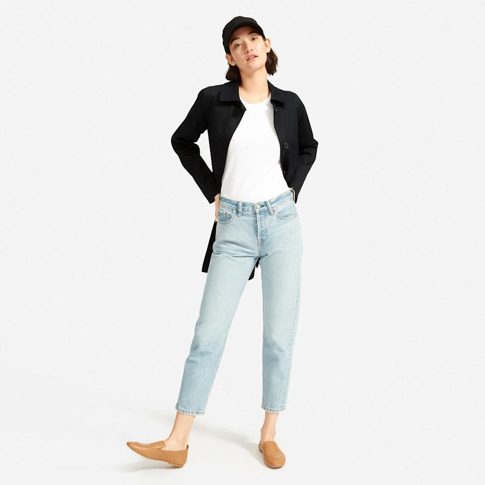 """<p><strong>everlane</strong></p><p>everlane.com</p><p><strong>$22.00</strong></p><p><a href=""""https://go.redirectingat.com?id=74968X1596630&url=https%3A%2F%2Fwww.everlane.com%2Fproducts%2Fwomens-baseball-cap-black&sref=https%3A%2F%2Fwww.goodhousekeeping.com%2Fbeauty%2Ffashion%2Fg32585880%2Frainy-day-outfits%2F"""" rel=""""nofollow noopener"""" target=""""_blank"""" data-ylk=""""slk:Shop Now"""" class=""""link rapid-noclick-resp"""">Shop Now</a></p><p>Top it off with this classic baseball hat when the rain drops start to fall. It has an adjustable strap and no logo or branding. Try a black trench coat, white t shirt and jeans for a clean and uniform look.</p>"""