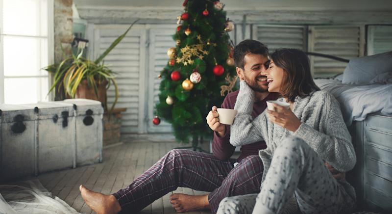'Snowmanning' is the new dating trend where festive flings fizzle out after Christmas is over [Image: Getty]