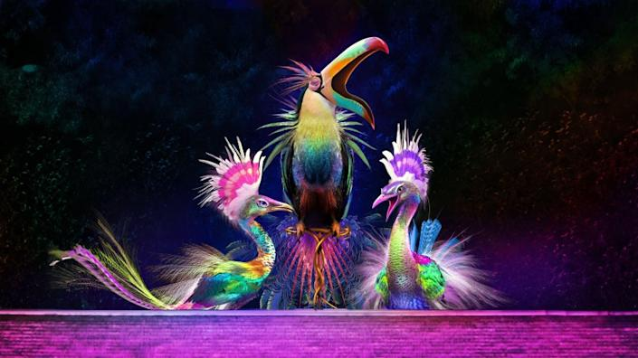 Three giant, animatronic birds soaring as high as 28 feet will entertain guests when a new, free show at Wynn's Lake of Dreams launches on September 10.