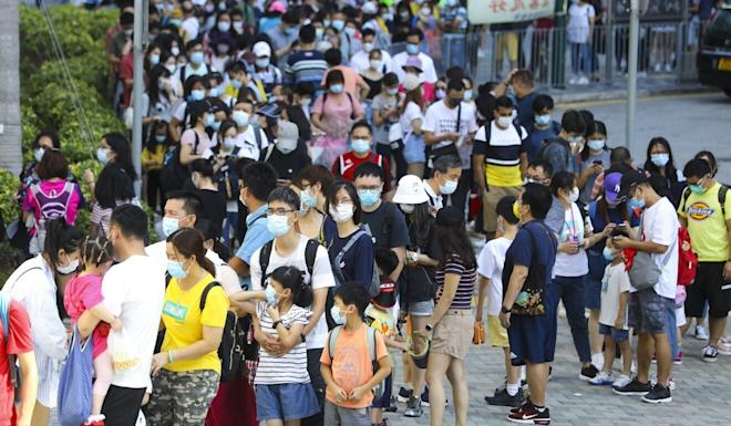 There were long lines in Tung Chung for the cable car. Photo: Dickson Lee