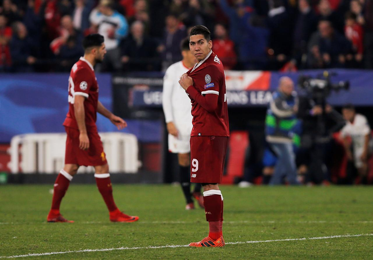 Soccer Football - Champions League - Sevilla vs Liverpool - Ramon Sanchez Pizjuan, Seville, Spain - November 21, 2017   Liverpool's Roberto Firmino looks dejected after they concede the third goal   REUTERS/Jon Nazca