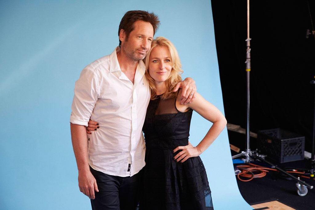 "David Duchovny and Gillian Anderson of ""The X-Files"" posing for TV Guide at the 2013 Comic-Con International Convention."
