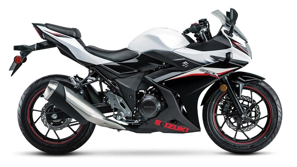 2021 Suzuki GSX250R motorcycle with a new color option revealed