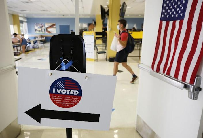 LOS ANGELES, CA - SEPTEMBER 14: Students, staff and nearby residents cast their ballots at UCLA Ackerman Union as polls were open Tuesday for Californians to decide whether Gov. Gavin Newsom should be removed from office and, if so, who should replace him in a recall election. UCLA on Tuesday, Sept. 14, 2021 in Los Angeles, CA. (Al Seib / Los Angeles Times).