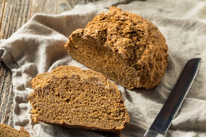 "<p>Not to be confused with Irish soda bread, brown bread is made with stoneground flour which gives it a nutty taste and unique texture. It has a thick crust and dense interior that tastes great with a simple spread of butter or served alongside stew. </p><p><a class=""link rapid-noclick-resp"" href=""https://go.redirectingat.com?id=74968X1596630&url=https%3A%2F%2Fwww.walmart.com%2Fsearch%2F%3Fquery%3Dpioneer%2Bwoman%2Bbread%2Bbasket&sref=https%3A%2F%2Fwww.thepioneerwoman.com%2Ffood-cooking%2Fmeals-menus%2Fg35325053%2Ftraditional-irish-food-dishes%2F"" rel=""nofollow noopener"" target=""_blank"" data-ylk=""slk:SHOP BREAD BASKETS"">SHOP BREAD BASKETS</a></p>"