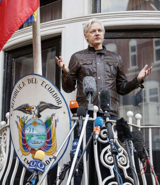 PHOTO: Wikileaks founder Julian Assange speaks on the balcony of Ecuadorian embassy on May 19, 2017 in London. (Anadolu Agency/Getty Images, FILE)
