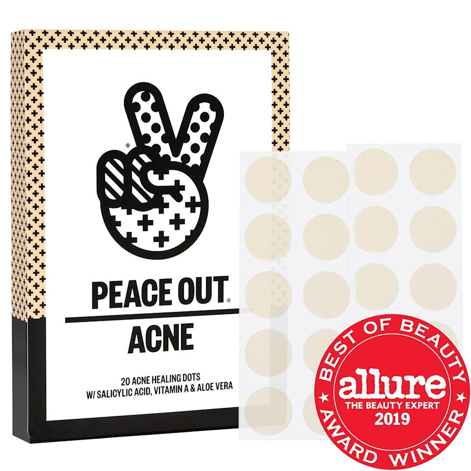 """<p><strong>Peace Out</strong></p><p>sephora.com</p><p><strong>$19.00</strong></p><p><a href=""""https://go.redirectingat.com?id=74968X1596630&url=https%3A%2F%2Fwww.sephora.com%2Fproduct%2Facne-healing-dots-P421275&sref=https%3A%2F%2Fwww.townandcountrymag.com%2Fstyle%2Fbeauty-products%2Fg34762905%2Fmaskne-face-mask-acne-treatment%2F"""" rel=""""nofollow noopener"""" target=""""_blank"""" data-ylk=""""slk:Shop Now"""" class=""""link rapid-noclick-resp"""">Shop Now</a></p>"""