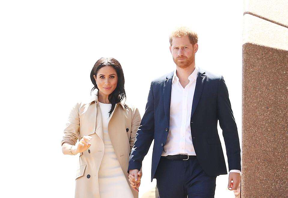 SYDNEY, AUSTRALIA - OCTOBER 16:  Prince Harry, Duke of Sussex and Meghan, Duchess of Sussex meet the public at Sydney Opera House on October 16, 2018 in Sydney, Australia. The Duke and Duchess of Sussex are on their official 16-day Autumn tour visiting cities in Australia, Fiji, Tonga and New Zealand.  (Photo by Mark Metcalfe/Getty Images)