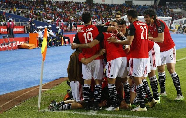 Football Soccer - African Cup of Nations - Final - Egypt v Cameroon - Stade d'Angondjé - Libreville, Gabon - 5/2/17 Egypt's Mohamed Elneny celebrates scoring their first goal with teammates Reuters / Mike Hutchings Livepic