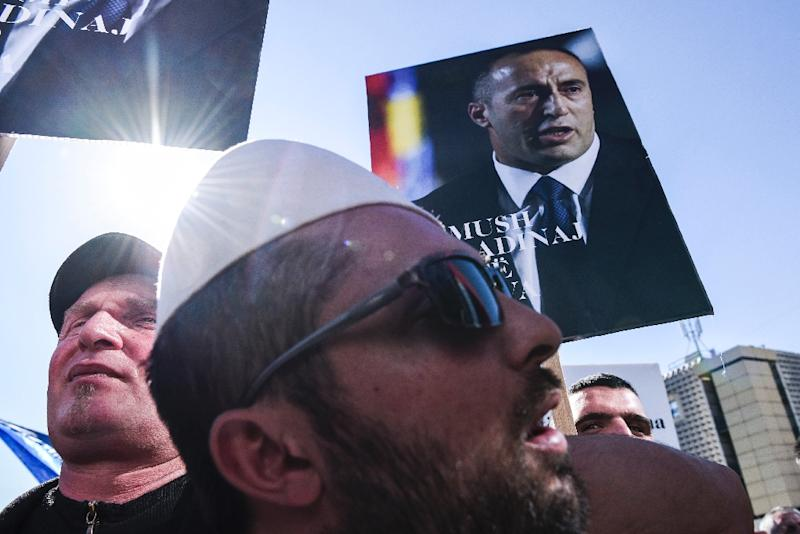 Albanian Kosovars protest on March 4, 2017 in Pristina, in support of ex-premier and wartime guerrilla commander Ramush Haradinaj, who is awaiting a French court's decision on Serbia's request for his extradition (AFP Photo/Armend NIMANI)