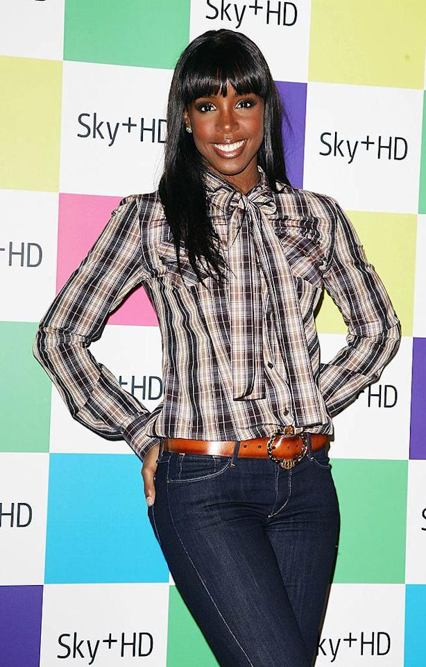 "Houston native Kelly Rowland is all smiles in her western wear! Yeehaw! Ferdaus Shamim/<a href=""http://www.wireimage.com"" target=""new"">WireImage.com</a> - August 14, 2008"