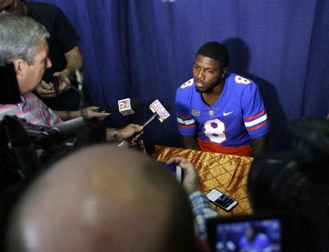 Malik Zaire landed at Florida after beginning his career at Notre Dame. [AP)