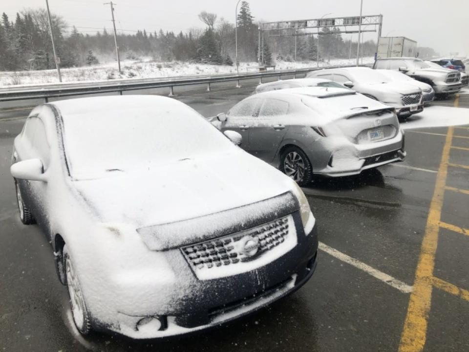 Storm winding down in the Maritimes, still strong for Newfoundland