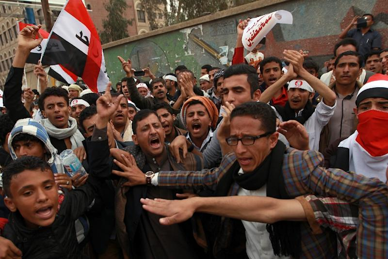Yemeni protesters rally on February 23, 2015, in Sanaa against the Shiite Huthi movement, which overran the capital in September (AFP Photo/Mohammed Huwais)