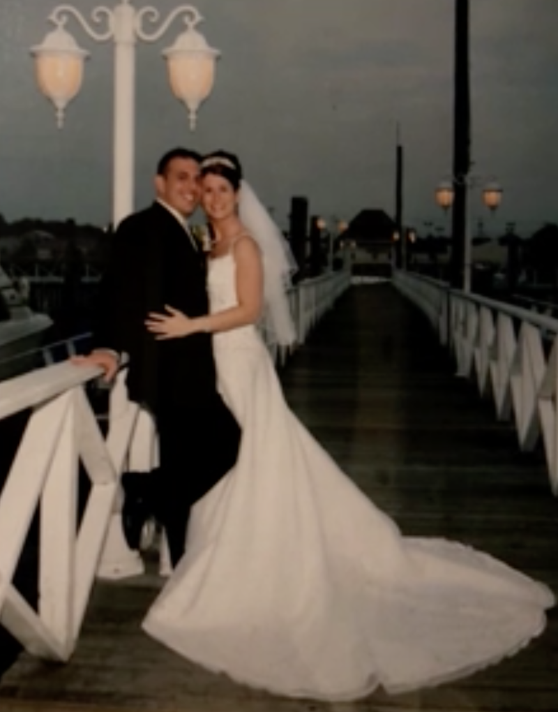 Maura Lewinger played her husband, Joe, their wedding song in his final moments over FaceTime.
