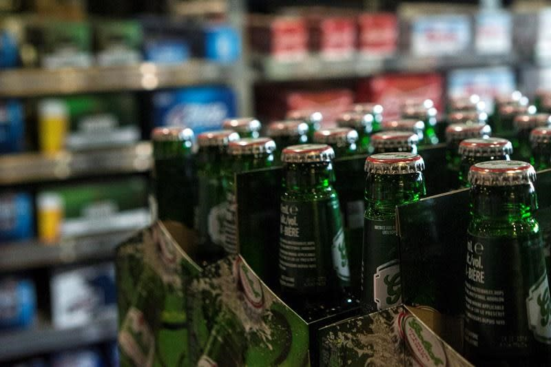 Ontario allows alcohol delivery, takeout with food orders in light of COVID-19
