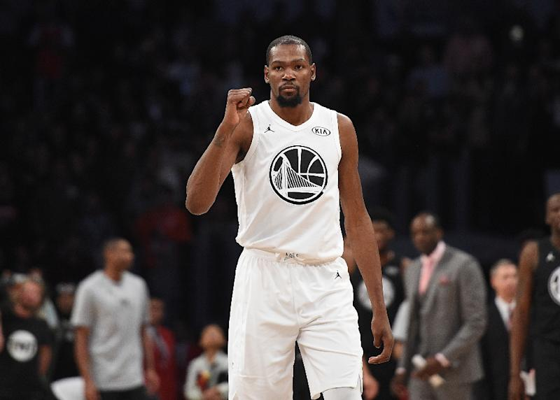 ca2c26012bea Kevin Durant delivered 28 points as the Golden State Warriors improved to  46-14 with